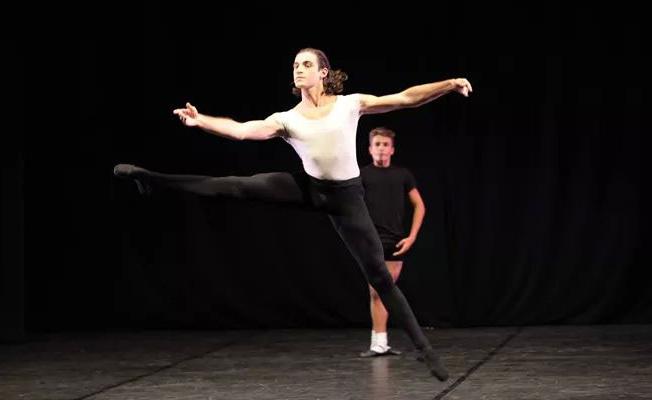 L'envol des élèves du Ballet Studio Marius